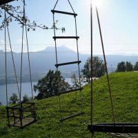schaukeln-mit-see-aussicht-ferienhof-gassner-at